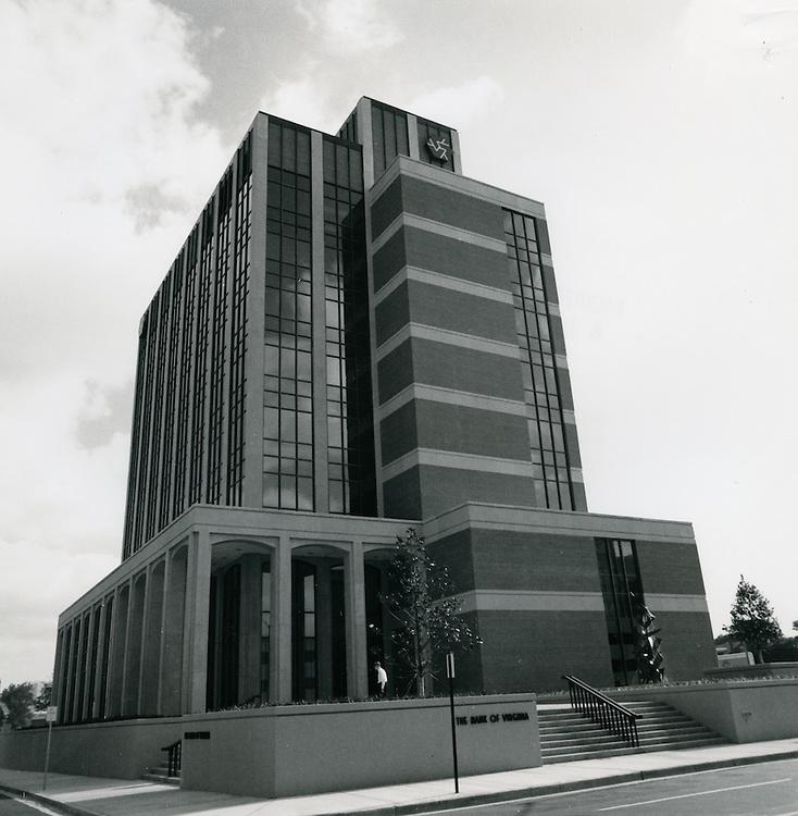 1970 July 20..Redevelopment...Downtown South (R-9)..The Bank of Virginia Building..Millard Arnold.NEG# MDA70-85-10.NRHA#..