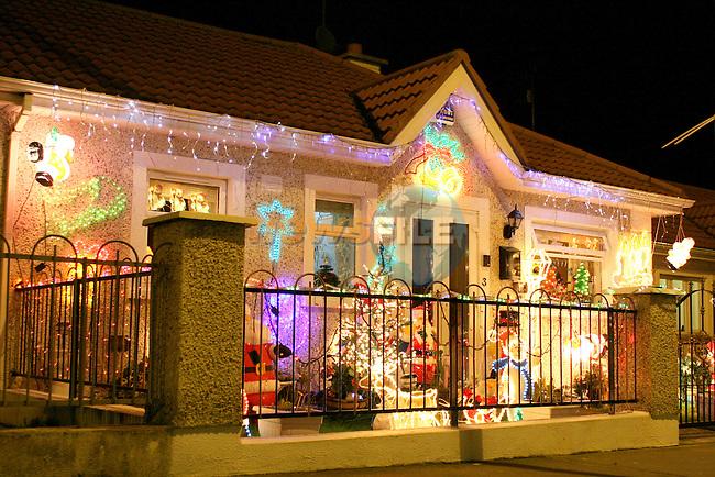 Christmas Lights On Houses.Christmas Lights On Housesimg 3953 Jpg Www Newsfile Ie