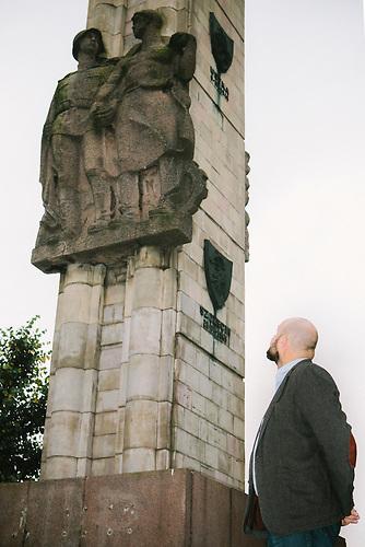 """Das sowjetische Ehrenmal in Stettin heißt """"Denkmal der Dankbarkeit"""". Artur Kubaj würde es lieber abreißen lassen."""