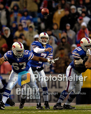 3 December 2006: Buffalo Bills quarterback J.P. Losman (7) throws a pass against the San Diego Chargers at Ralph Wilson Stadium in Orchard Park, New York. The Charges defeated the Bills 24-21. Mandatory Photo Credit: Ed Wolfstein Photo<br />