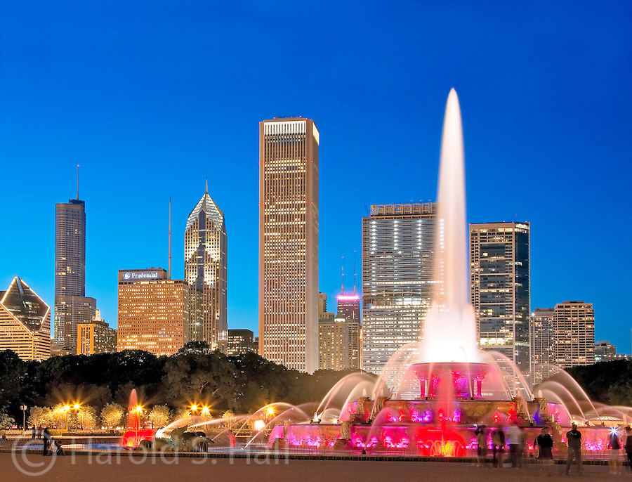 The highrises along Michigan Avenue in Chicago serve as a backdrop for the famous Buckingham Fountain