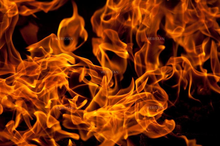 Azerbaijan, Baku, Surakhani, Atashgah (Fire Temple), April 5, 2012<br /> This fire temple in a suburb east of Baku was founded as a Zoroastrian place of worship. Historians and archaeologists still argue over its construction date. Natural gas flows permanently from under the ground into the temple, creating the eternal flame.<br /> <br /> Azerba&iuml;djan, Bakou, Surakhani, Atachgah (Temple du feu), 5 avril 2012 <br /> Le Temple du feu, situ&eacute; dans la banlieue est de Bakou, a &eacute;t&eacute; fond&eacute; en tant que lieu de culte zoroastrien. Les historiens et les arch&eacute;ologues d&eacute;batent encore de la date de construction du Temple du Feu. Des flux de gaz naturel s'&eacute;chappent en continu de sous la terre, cr&eacute;ant la flamme &eacute;ternelle qu'abrite le temple.