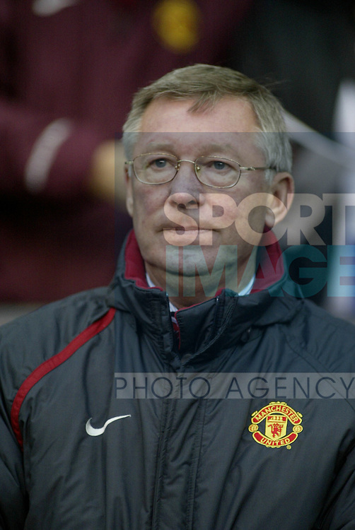 Manchester United  and Manchester City in the premiership match at Old Trafford, Manchester, November 7, 2004.Alex Ferguson.Pic © Simon Bellis/SB Sports Photography, 33 Parkway New Mills, High Peak, SK22 4DU..Any problems call 07980659747 or 01663 746519. .email: simon@simonbellis.com