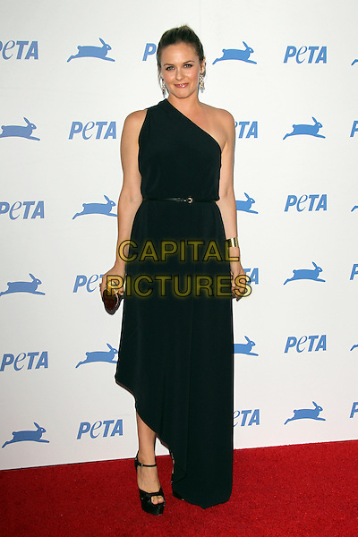 LOS ANGELES, CA - SEPTEMBER 30: Alicia Silverstone at PETA's 35th Anniversary Party at Hollywood Palladium on September 30, 2015 in Los Angeles, California. <br /> CAP/MPI22<br /> &copy;MPI22/Capital Pictures