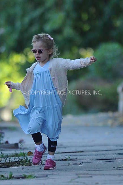 WWW.ACEPIXS.COM . . . . . ....October 11 2009, Boston....Actress Jennifer Garner's daughter Violet Affleck seen near thier home on October 11 2009 in Boston, MA....Please byline: KRISTIN CALLAHAN - ACEPIXS.COM.. . . . . . ..Ace Pictures, Inc:  ..tel: (212) 243 8787 or (646) 769 0430..e-mail: info@acepixs.com..web: http://www.acepixs.com