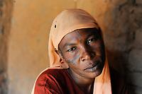 NIGER Maradi, prostitute Champa / NIGER Maradi, Prostituierte Champa in einem Armenviertel