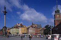 Europe/Pologne/Varsovie: Les remparts de la veille ville - Détail de la place Zamkowy et colonne de Sigismond