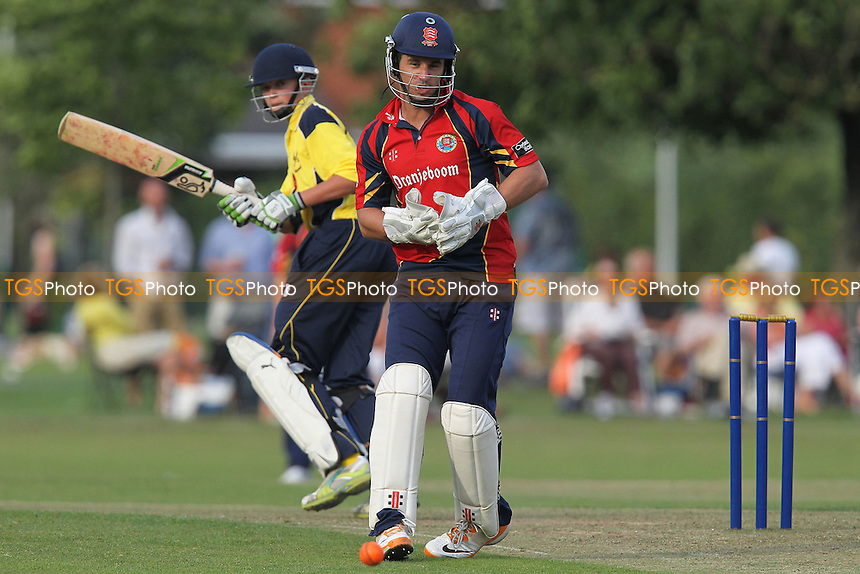 Ryan ten Doeschate of Essex - Upminster CC vs Essex CCC - Graham Napier Benefit Match Cricket at Upminster Park - 09/09/12 - MANDATORY CREDIT: Gavin Ellis/TGSPHOTO - Self billing applies where appropriate - 0845 094 6026 - contact@tgsphoto.co.uk - NO UNPAID USE.