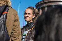"""Mehrere tausend Menschen blockierten am Montag den 7. Oktober 2019 in Berlin die Verkehrsknotenpunkte Grosser Stern und Potsdamer Platz. Sie folgten damit einem Aufruf der Bewegung """"Extinction Rebellion"""" (""""Aufstand gegen das Aussterben""""). Aktionen von Extinction Rebellion fanden an diesem Tag weltweit statt. Damit soll gegen die zu schwachen Aktivitaeten der Regierungen gegen den Klimawandel protestiert werden.<br /> Im Bild: Carola Rakete, ehemalige Kapitaenin des Seenotrettungsschiff Sea Watch 3.<br /> 7.10.2019, Berlin<br /> Copyright: Christian-Ditsch.de<br /> [Inhaltsveraendernde Manipulation des Fotos nur nach ausdruecklicher Genehmigung des Fotografen. Vereinbarungen ueber Abtretung von Persoenlichkeitsrechten/Model Release der abgebildeten Person/Personen liegen nicht vor. NO MODEL RELEASE! Nur fuer Redaktionelle Zwecke. Don't publish without copyright Christian-Ditsch.de, Veroeffentlichung nur mit Fotografennennung, sowie gegen Honorar, MwSt. und Beleg. Konto: I N G - D i B a, IBAN DE58500105175400192269, BIC INGDDEFFXXX, Kontakt: post@christian-ditsch.de<br /> Bei der Bearbeitung der Dateiinformationen darf die Urheberkennzeichnung in den EXIF- und  IPTC-Daten nicht entfernt werden, diese sind in digitalen Medien nach §95c UrhG rechtlich geschuetzt. Der Urhebervermerk wird gemaess §13 UrhG verlangt.]"""
