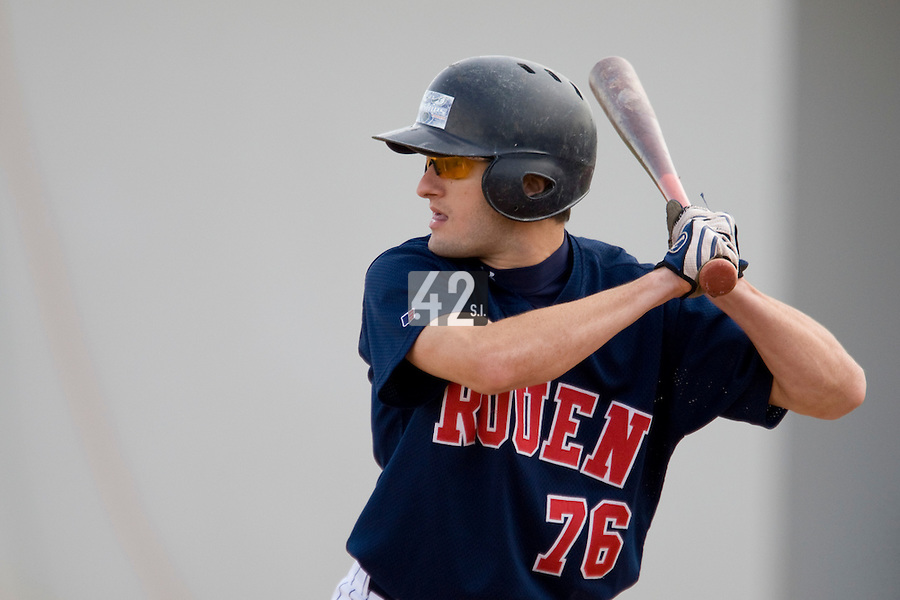 12 Oct 2008: Jordan Bert is seen at bat during game 2 of the french championship finals between Templiers (Senart) and Huskies (Rouen) in Chartres, France. The Huskies win 7-4 over the Templiers.