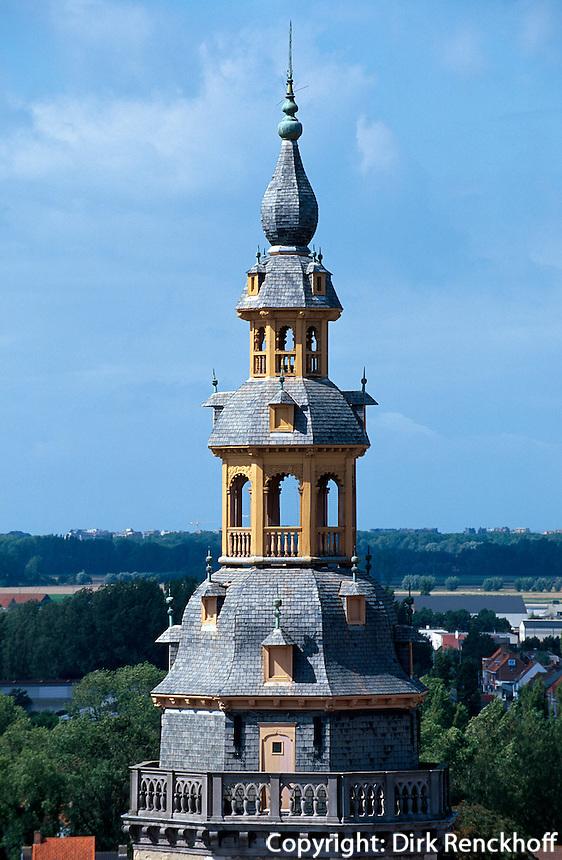 Belgien, Flandern, Belfried am Grote Markt in Veurne, UNESCO-Weltkulturerbe