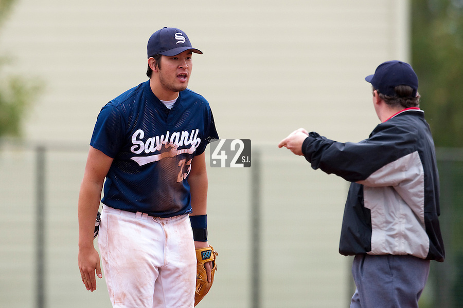 10 october 2009: Steven Huff or Savigny reacts after a balk during game 4 of the 2009 French Elite Finals won 7-2 by Huskies of Rouen over Lions of Savigny, at Stade Jean Moulin stadium in Savigny sur Orge, near Paris, France. Rouen wins the 2009 France championship, his sixth title.