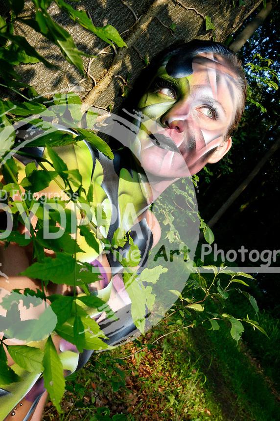 Bodypainting and Photoshooting with Model Janina als Waldgeist. Hameln-Holtensen, 03.06.2014 - Bodypaint Artist: Joerg Duesterwald
