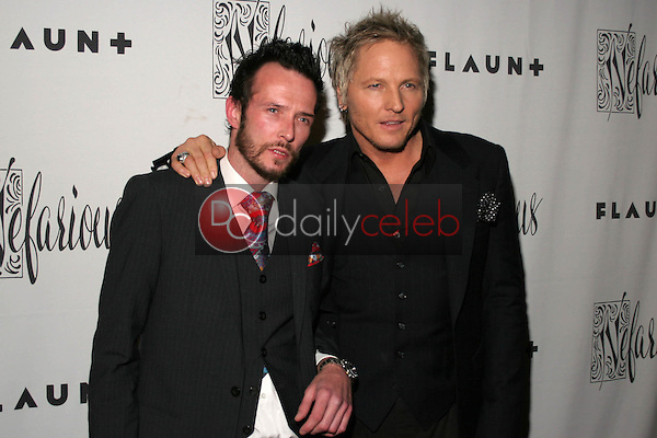 Scott Weiland and Matt Sorum<br />