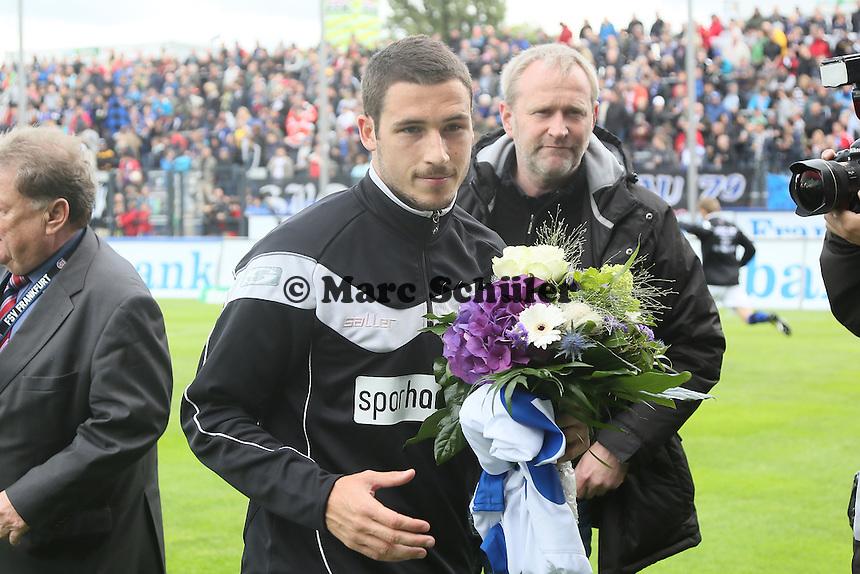 Mathew Leckie (FSV) wird verabschiedet - FSV Frankfurt vs. 1. FC Koeln, Frankfurter Volksbank Stadion