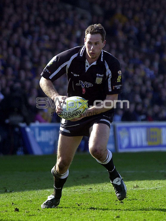 Pix: Matthew Lewis/SWpix.com. Rugby League. Powergen Challenge Cup Quarter-Finals. Leeds Rhino's v Hull 16/03/03...COPYRIGHT PICTURE>>SIMON WILKINSON>>01943 436649>>..Hull's Colin Best.
