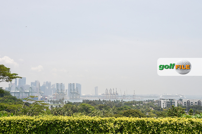 A long view of the cityscape and cruiseline port from the tee on 4 during Rd 2 of the Asia-Pacific Amateur Championship, Sentosa Golf Club, Singapore. 10/5/2018.<br /> Picture: Golffile | Ken Murray<br /> <br /> <br /> All photo usage must carry mandatory copyright credit (© Golffile | Ken Murray)