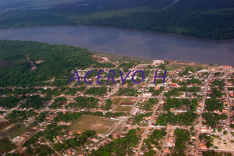 Vista aérea do Município de São Caetano de Odivelas as margens do rio Mojuim, a 11 km da sua foz.<br />©Paulo Santos