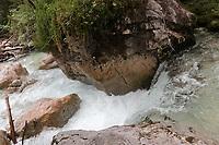 Strömung und Wasserfälle in der Ramsauer Ache - Berchtesgaden 16.07.2019: Zauberwald in Ramsau bei Bechtesgaden