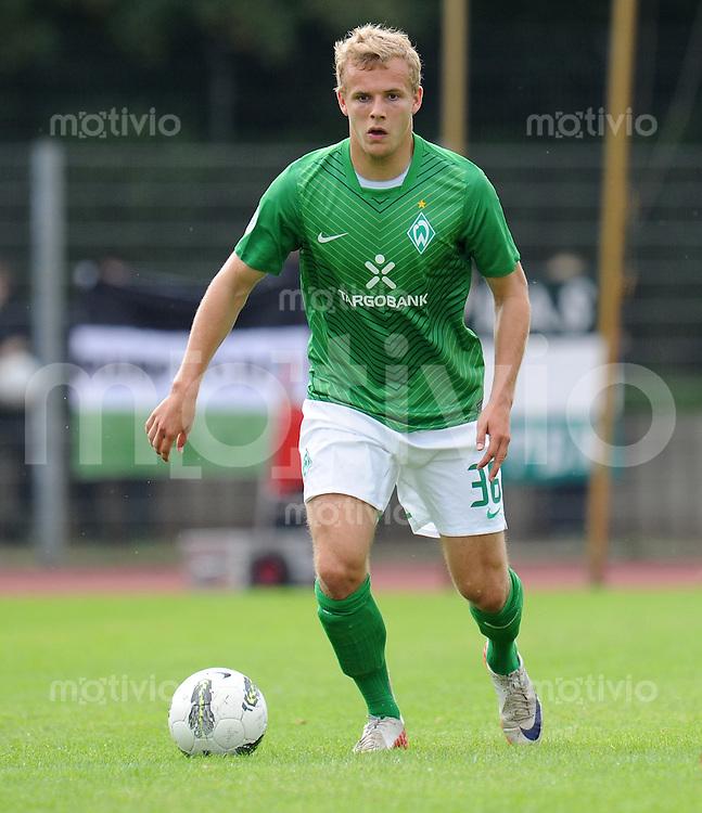 FUSSBALL   3. LIGA   SAISON 2011/2012    6. SPIELTAG SV Werder Bremen II - Preussen Muenster     21.08.2011 Lennart THY (SV Werder Bremen U 23) Einzelaktion am Ball