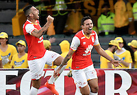 BOGOTÁ -COLOMBIA, 29-01-2017. Jugadores de Santa Fe celebran después de anotar gol al Medellín durante partido de vuelta entre Independiente Santa Fe y Deportivo Independiente Medellin por la SuperLiga Aguila 2017 en el estadio Nemesio Camacho El Campín de la ciudad de Bogotá. / Players of Santa Fe celebrate after scoring a goal to Medellin during a second leg match between Deportivo Independiente Medellin and Independiente Santa Fe for the SuperLiga Aguila 2017 at Nemesio Camacho El Campin stadium in Bogota city. Photo: VizzorImage/ Gabriel Aponte / Staff