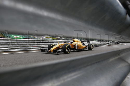 11.11.2016. Sao Paulo, Brazil. Formula 1 Grand Prix of Brazil, 3rd practise session.  Jolyon Palmer (ING) Renault F1 Team during the third practice session of the Brazil Grand Prix Formula 1 in 2016 held at the Interlagos Circuit