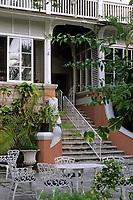 "Iles Bahamas / New Providence et Paradise Island / Nassau: Hotel ""le Graycliff"" ancienne demeure construite en 1720 par le capitaine corsaire John Howard Graysmith"