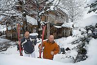 """Europe/France/Rhone-Alpes/73/Savoie/St-Marcel: Hotel-restaurant """"La Bouitte"""" René Meilleur et son fils Maxime partent pour un raid à ski"""