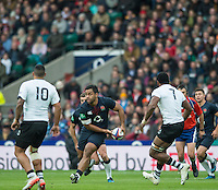 Twickenham, United Kingdom. Billy VUNIPOLA, looking for a pass during the Old Mutual Wealth Series Rest Match, : England vs Fiji, at the RFU Stadium, Twickenham, England, Saturday  19/11/2016<br />