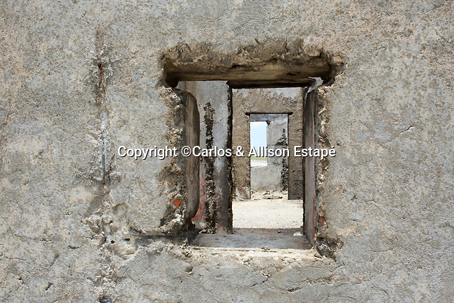 Bonaire, ruins, window