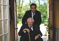 Matthew Macfadyen, Peter Vaughan<br /> in Death at a Funeral (2007) <br /> *Filmstill - Editorial Use Only*<br /> CAP/NFS<br /> Image supplied by Capital Pictures