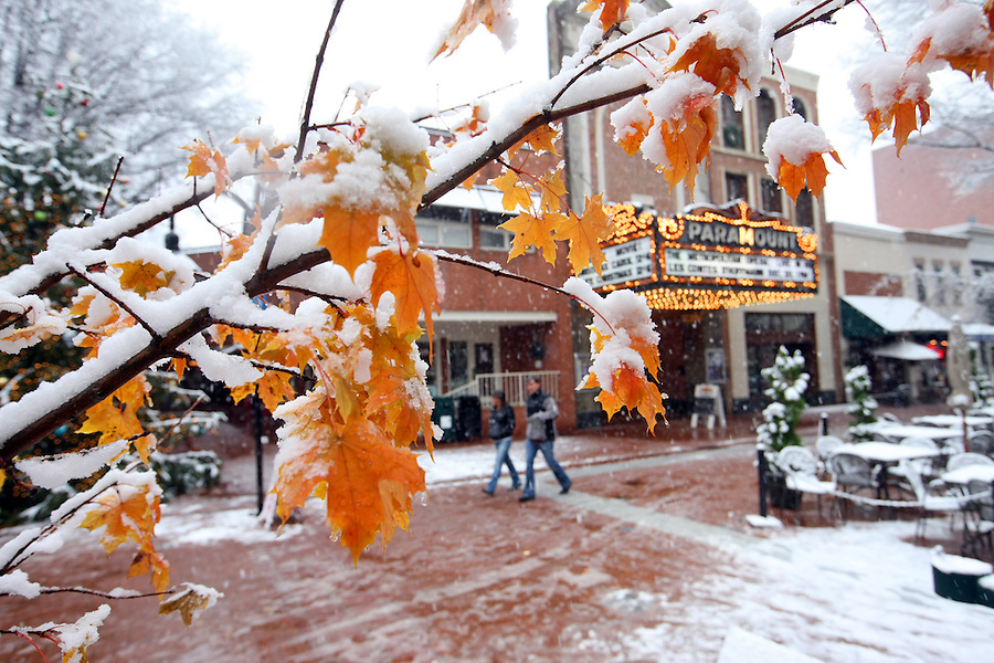 Snow on the downtown mall. Credit Image: © Andrew Shurtleff