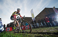 Klaas Vantornout (BEL) commiting to the rut<br />