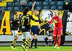 ***BETALBILD***  <br /> Stockholm 2015-07-30 Fotboll Kval Uefa Europa League  AIK - Atromitos FC :  <br /> AIK:s Noah Sonko Sundberg f&aring;r ett r&ouml;tt kort av domare Christian Dingert (GER) och blir utvisad under matchen mellan AIK och Atromitos FC <br /> (Foto: Kenta J&ouml;nsson) Nyckelord:  AIK Gnaget Tele2 Arena UEFA Europa League Kval Kvalmatch Atromitos FC Grekland Greece utvisning r&ouml;tt kort depp besviken besvikelse sorg ledsen deppig nedst&auml;md uppgiven sad disappointment disappointed dejected