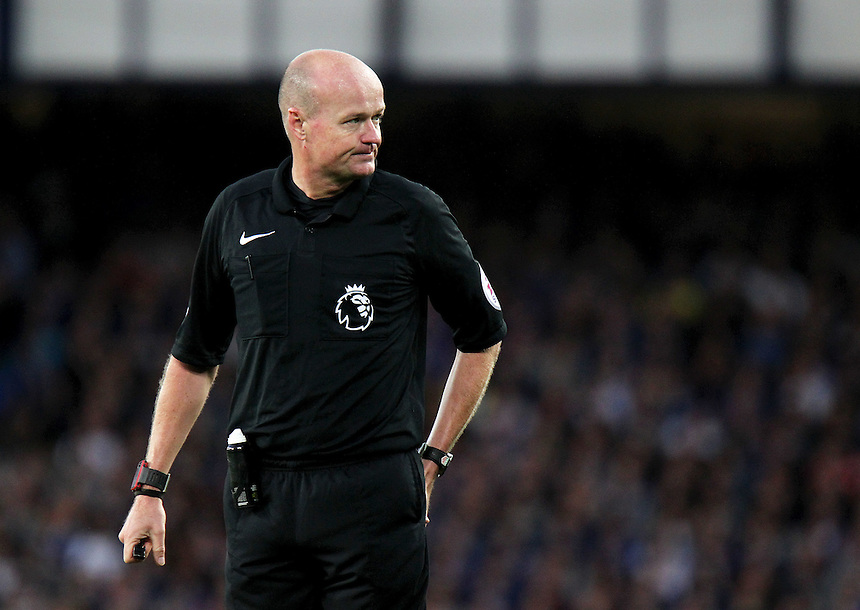 Referee Lee Mason<br /> <br /> Photographer Rich Linley/CameraSport<br /> <br /> The Premier League - Everton v Middlesbrough - Saturday 17th September 2016 - Goodison Park - Liverpool<br /> <br /> World Copyright &copy; 2016 CameraSport. All rights reserved. 43 Linden Ave. Countesthorpe. Leicester. England. LE8 5PG - Tel: +44 (0) 116 277 4147 - admin@camerasport.com - www.camerasport.com
