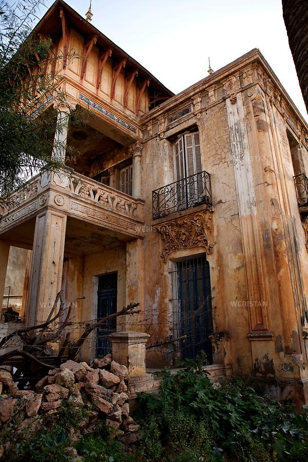 Algerie. Village El Malah. 14 Avril 2011 .. Dans le village d'El Malah, les maisons a l'architecture coloniale ont un gout de passe et d'abandon. Elles sont les traces des fastes d'un autre temps. Et parfois, la nature semble avoir repris ses droits et gagne la bataille sur les objets. Une evocation visuelle de certains passages du livre de Yasmina Khadra, « Ce que le jour doit a la nuit. » ..Algeria, village of El Malah. April 14, 2011..There is an air of decay and neglect about the colonial houses of El Malah. They are the remains of the splendor of another time. In some places, nature seems to have regained its rights and defeated civilization. A visual illustration of some passages of Yasmina Khadra's novel:Ce que le jour doit à la nuit (What the Day Owes the Night)...