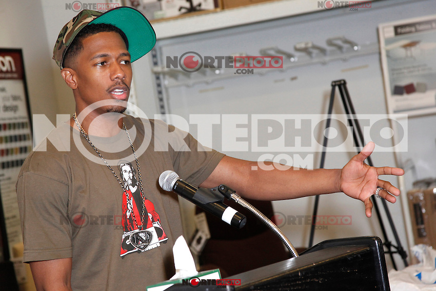 Nick Cannon pictured at Office Depot in Plymouth Meeting, Pa to help donate 5000 sackpacks to Philadelphia area children on August 23, 2012  &copy; Star Shooter / MediaPunchInc /NortePhoto.com<br /> <br /> **SOLO*VENTA*EN*MEXICO**<br />  **CREDITO*OBLIGATORIO** *No*Venta*A*Terceros*<br /> *No*Sale*So*third* ***No*Se*Permite*Hacer Archivo***No*Sale*So*third*