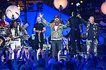 CMT Crossroads Earth Wind & Fire 2017