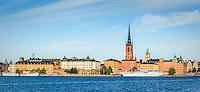 Riddarholmen i Stockholm från vattnet i panorama