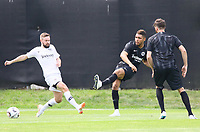 Simon Falette (Eintracht Frankfurt)schiesst vor Marc Stendera (Eintracht Frankfurt) - 04.07.2018: Eintracht Frankfurt Trainingsauftakt, Commerzbank Arena