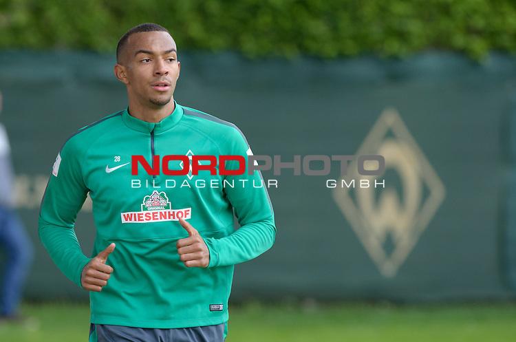 14.05.2015, Trainingsgelaende, Bremen, GER, 1.FBL, Training Werder Bremen, im Bild Melvyn Lorenzen (Bremen #28)<br /> <br /> Foto &copy; nordphoto / Frisch