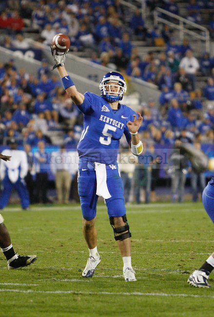 Mike Hartline throws a pass in the second half of UK's 31-44 loss to Georgia on Sat. Oct. 23, 2010. Photo by Britney McIntosh | Staff