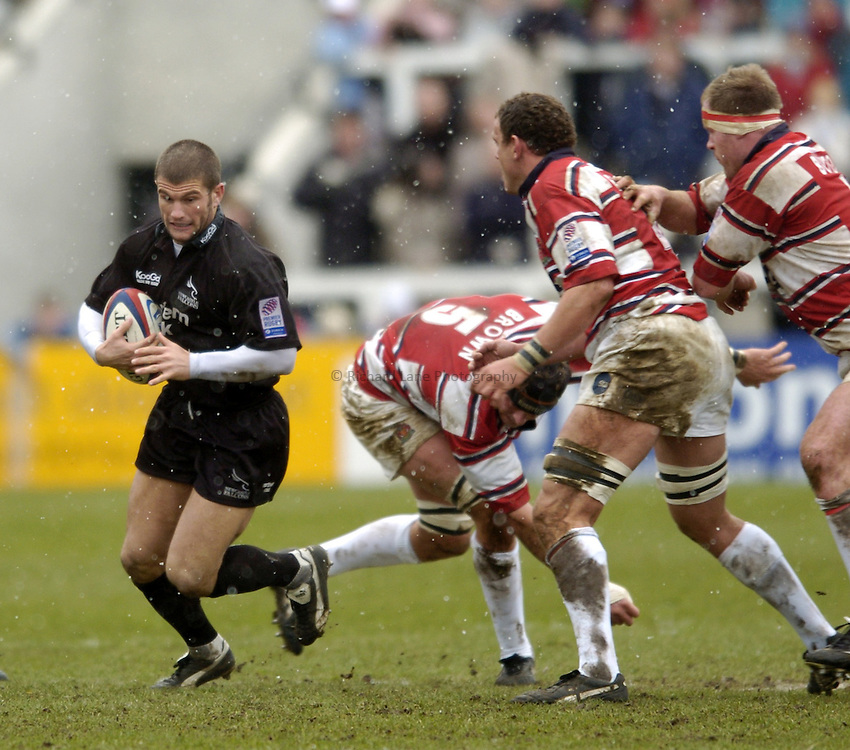 Photo. Jed Wee..Newcastle Falcons v Gloucester, Zurich Premiership, 27/02/2005..Newcastle's Tom May attacks.