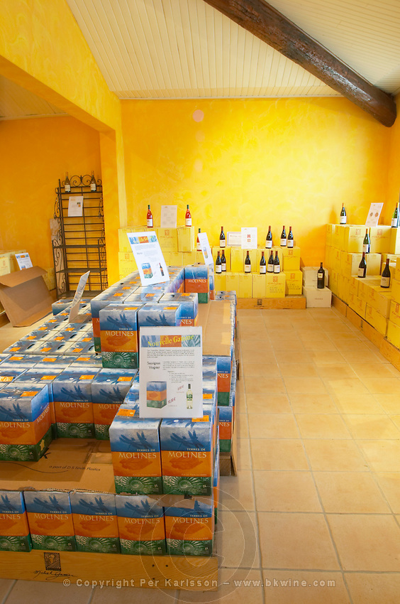 bag-in-box displays wine shop chateau de nages rhone france