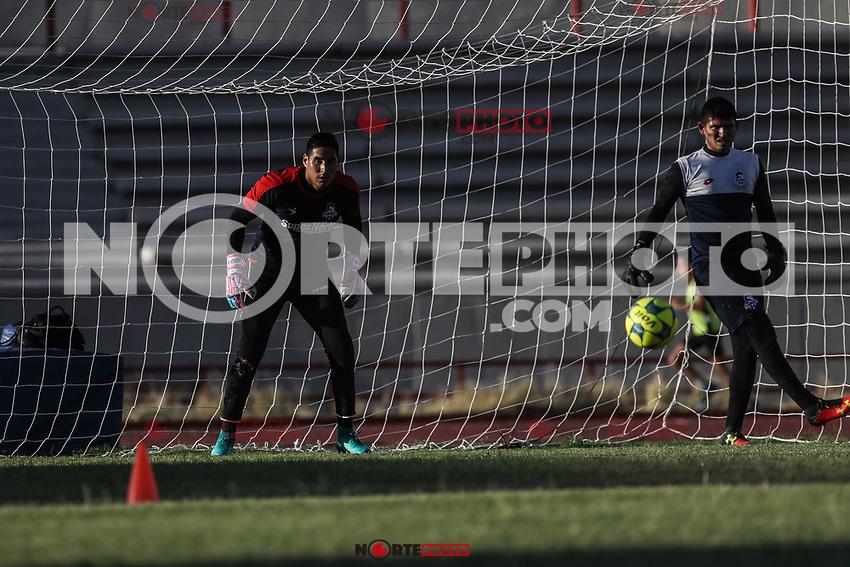 Entrenamiento de Cimarrones de Sonora previo al inicio de la pretemporada del torneo Clausura 2017 de la liga de Ascenso MX. Estadio Heroe de Nacozari. (Foto: Luis Gutierrez /NortePhoto.com)