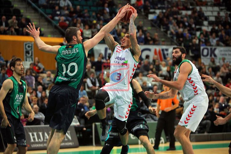 League ACB-Endesa 2015-2016. Game: 16.<br /> FIATC Joventut vs Laboral Kutxa Baskonia: 68-89.<br /> Albert Miralles vs Mike James.
