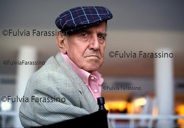 Festival di Venezia 1999 _ Rodolfo Sonego, sceneggiatore<br /> fotografato nel Palazzo del Cinema in occasione della proiezione speciale del film ritrovato &quot;Tot&ograve; e Carolina&quot;