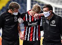 v.l. Martin Hinteregger (Eintracht Frankfurt) wird verletzt ausgewechselt<br /> <br />  - 26.05.2020 Fussball 1.Bundesliga Spieltag 28, Eintracht Frankfurt  - SC Freiburg emspor, <br /> <br /> Foto: Jan Huebner/Pool/ Via Marc Schueler/Sportpics.de<br /> (DFL/DFB REGULATIONS PROHIBIT ANY USE OF PHOTOGRAPHS as IMAGE SEQUENCES and/or QUASI-VIDEO), Editorial use only. National and International News Agencies OUT