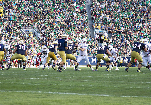 August 31, 2013:  A general view as Notre Dame quarterback Tommy Rees (11) drops back to pass during NCAA Football game action between the Notre Dame Fighting Irish and the Temple Owls at Notre Dame Stadium in South Bend, Indiana.  Notre Dame defeated Temple 28-6.