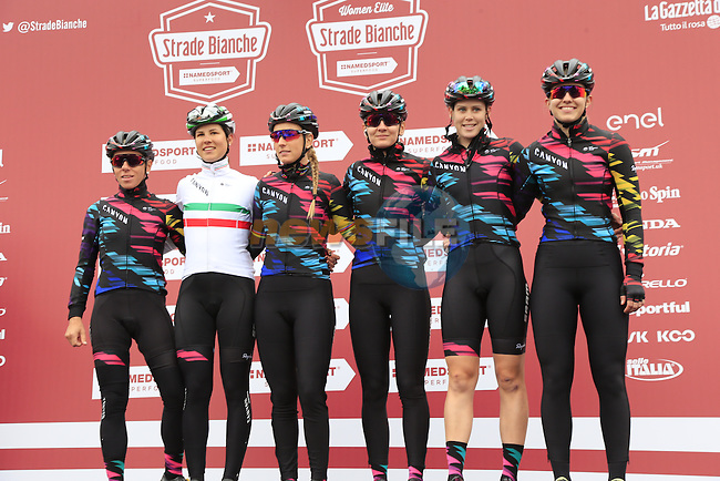 Canyon-Sram Racing team at sign on before the start of the Ladies 2017 Strade Bianche running 127km from Siena to Siena, Tuscany, Italy 4th March 2017.<br /> Picture: Eoin Clarke | Newsfile<br /> <br /> <br /> All photos usage must carry mandatory copyright credit (&copy; Newsfile | Eoin Clarke)